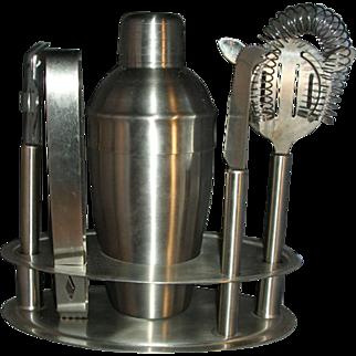 Metal shaker bar set with tools