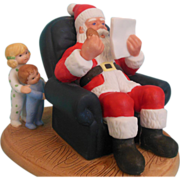 Santa Christmas Visitor w/ list Heritage House 1987  figurine