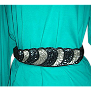 Black, gray, silver beaded design belt