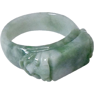 Vintage Carved Solid Green Jade Double Dragon Saddle Ring