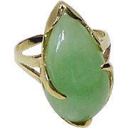Vintage Green Jade 14 k Gold Ring