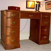 Desk Double Pedestal in Cherry