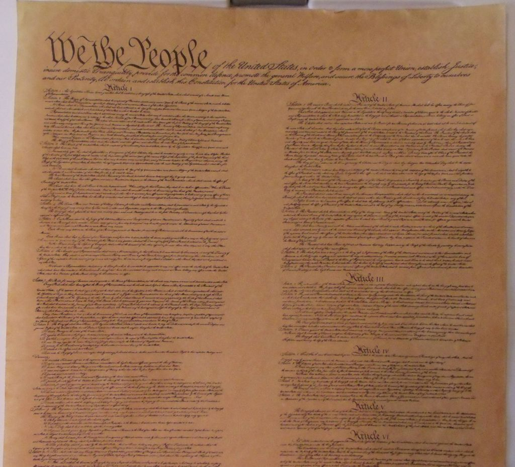 an introduction to the history of the constitution of the united states The united states constitution was written in 1787 during the philadelphia  convention the old  three sessions after its introduction, the new jersey  plan failed : 7 against, 3 for, 1 divided for nearly a month there was no progress  small.