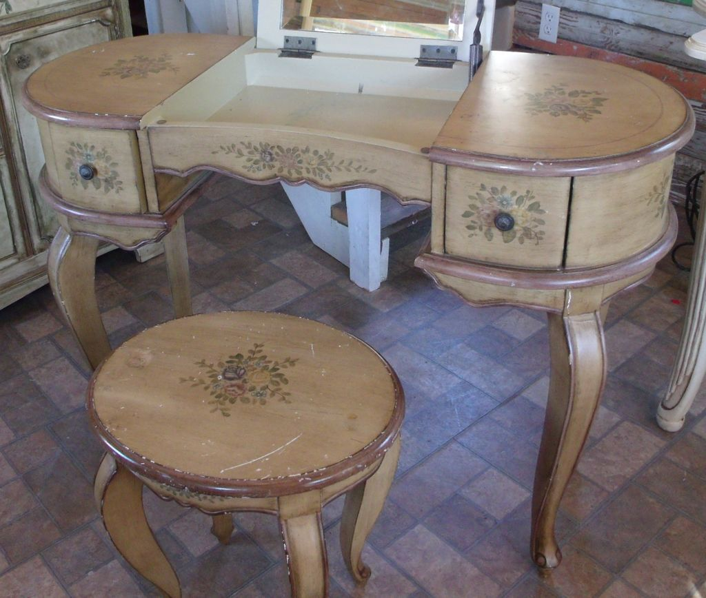 Dressing Table-Handpainted Furniture