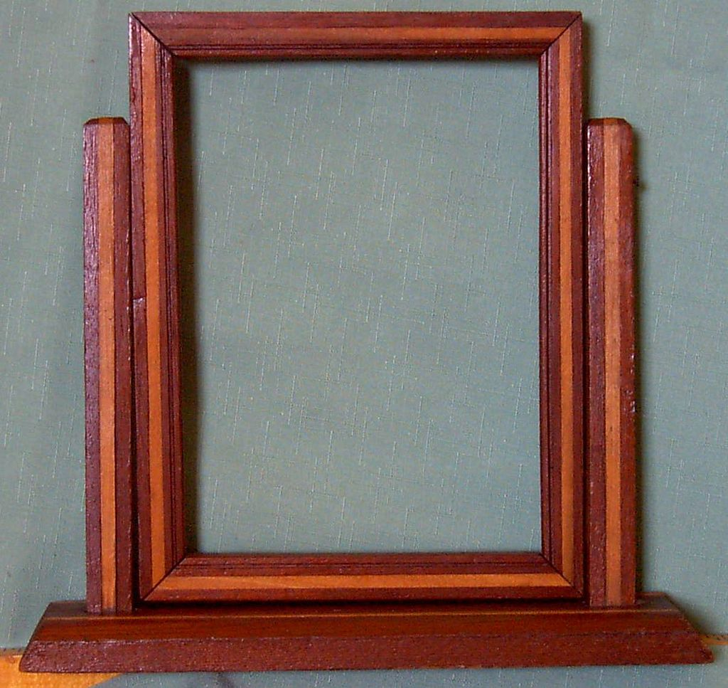 Frame Frank Lloyd Wright Design