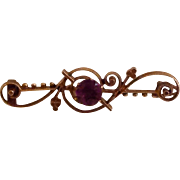 10K Yellow Gold Art Nouveau Bar Pin Prong Set Lavender Stone