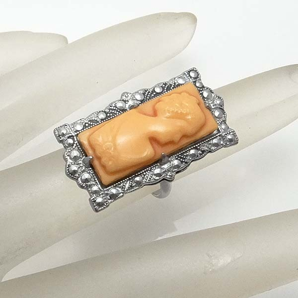 Vintage Art Deco Celluloid Cameo Ring By Uncas