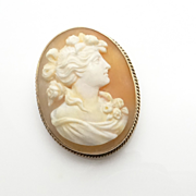 Vintage 10K Gold High Relief Carved Shell Cameo Pin Brooch