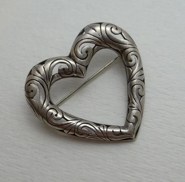 Vintage Jezlaine Open Work Heart Pin Brooch