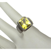Sarda Sterling Silver Lime Green Stone Ring