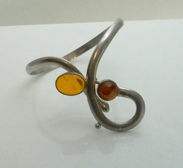 Unique Vintage Artisan Sterling Silver Modernist Amber Bracelet