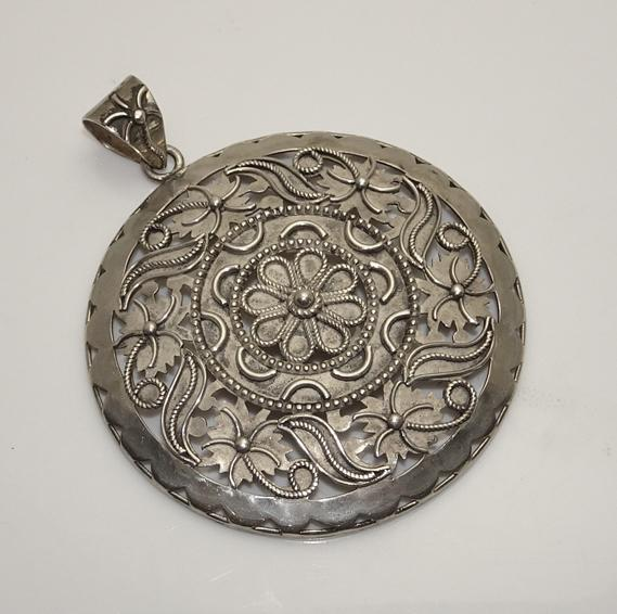 Large Vintage Sterling Silver Floral Flower Pendant Made in India