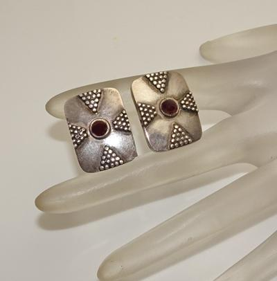 Vintage Sterling Silver Garnet Cuff Links