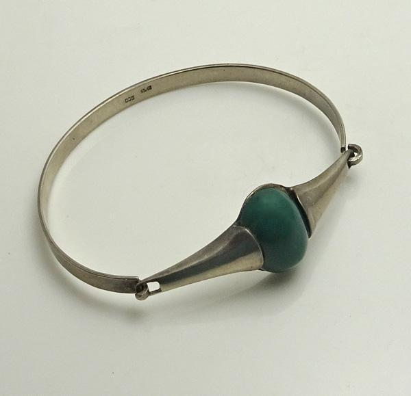 Vintage Modernist Green Stone 900 Silver Bracelet JUST REDUCED!