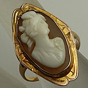 Antique Victorian  Carved Shell Cameo 10K Gold Ring