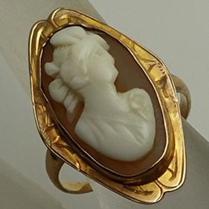 Antique Victorian  Carved Shell Cameo 10K Gold Ring  JUST REDUCED!