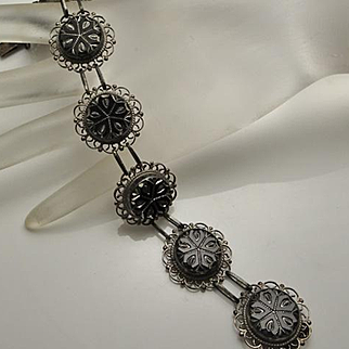 Vintage Mexican Sterling Silver Filigree Carved Onyx Disc Bracelet