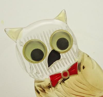 Vintage 1940s Large Carved Lucite Owl Pin Googly Eye