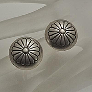 Vintage Indian Sterling Silver Concha Button Flower Clip On Earrings
