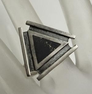 Vintage Modernist Sterling Silver Black Stone Ring Size 10