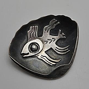 Vintage  Casa Welsch Peruvian Sterling Silver Modernist Abstract Fish Clam Pin