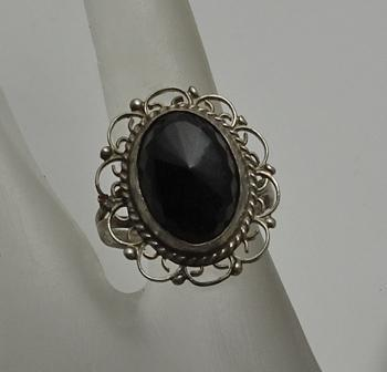 Vintage  Onyx Sterling Silver Filigree Ring Size 7