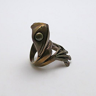 Big Vintage Modernistic Tree Frog Ring Size 7 and 1/4