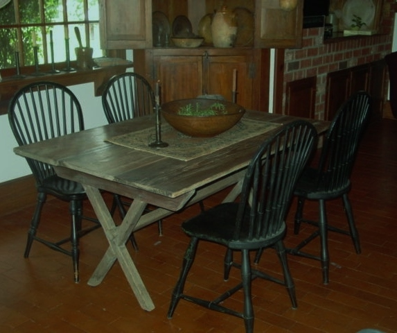 Country Primitive Sawbuck Table