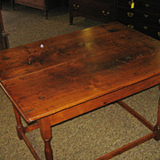 18th Century North Carolina Walnut Stretcher Base Tavern Table