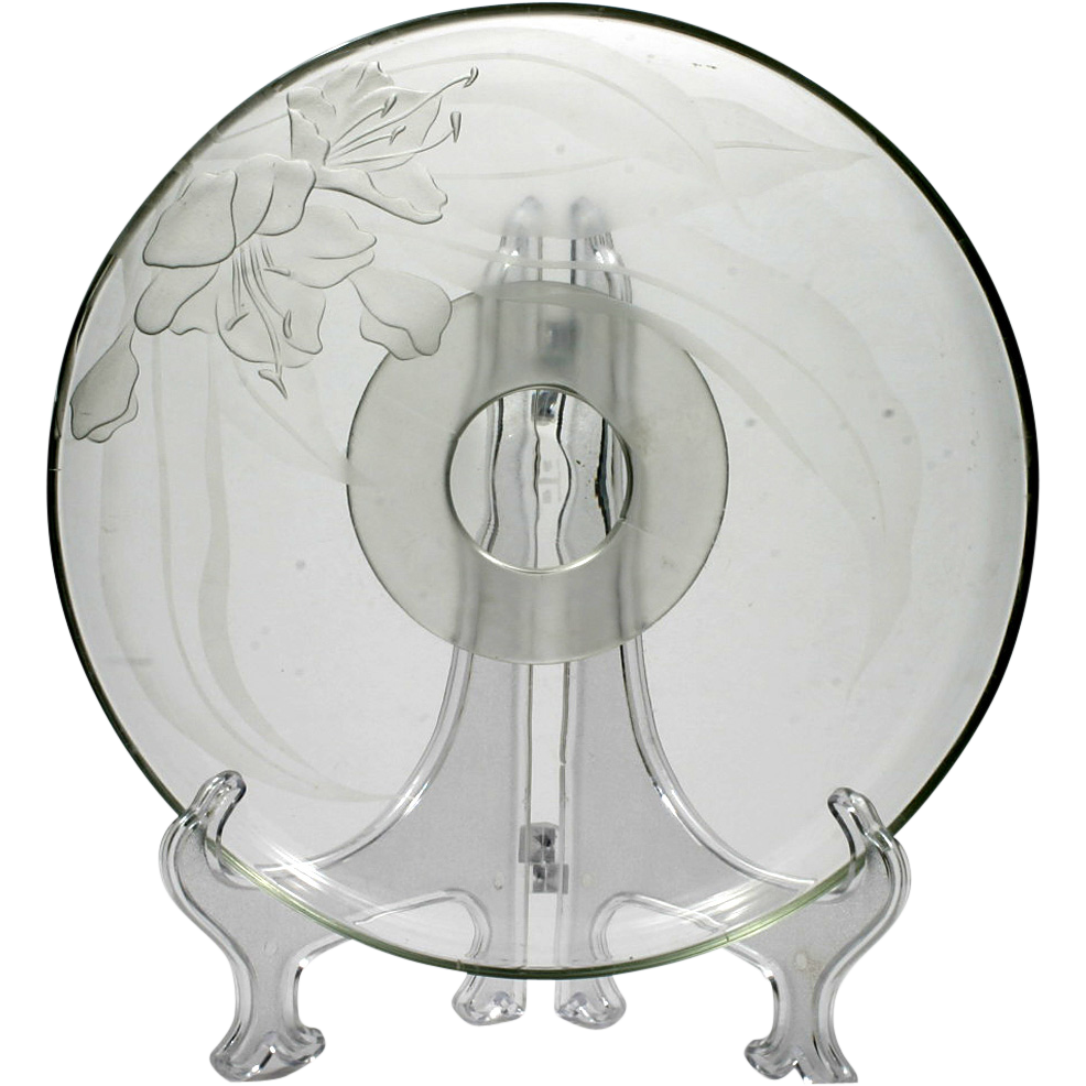 Dorothy Thorpe Cake Stand Azalea Sand Carved Flower Signed Vintage Art Glass