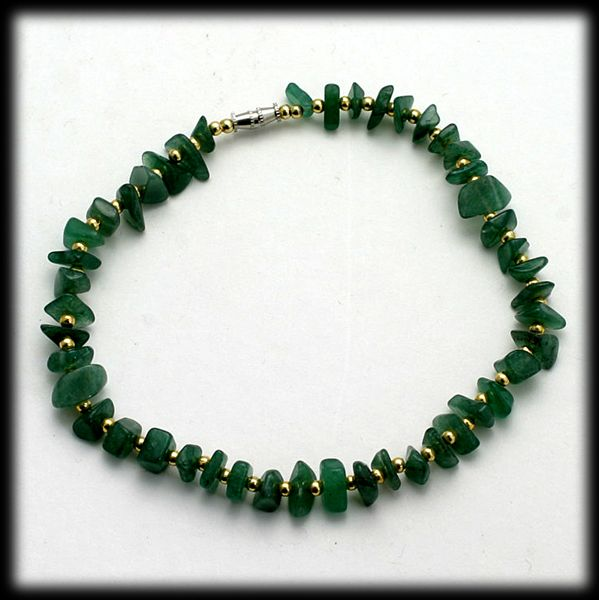 Jade Colored Agate and Gold Tone Bead Anklet