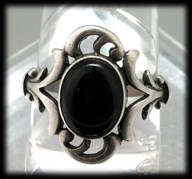 Vintage Sterling Silver and Onyx Ring Size 7.5