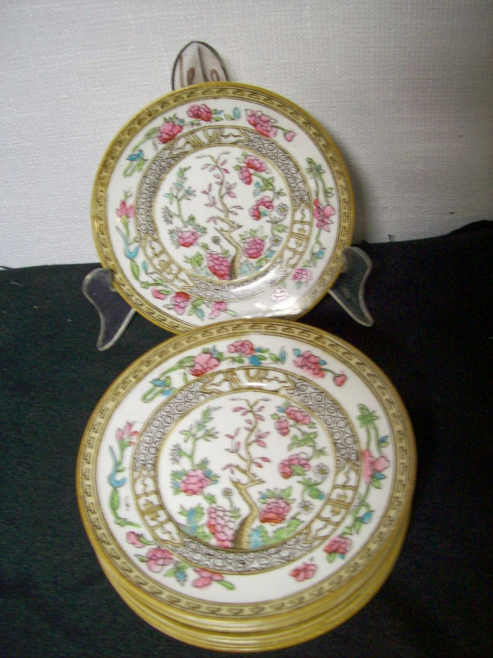 Item ID: 306 china plates In Shop Backroom