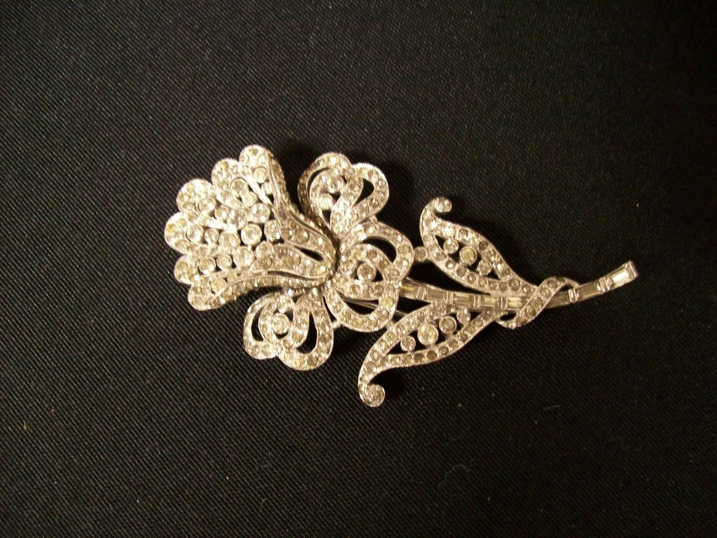 Huge 1940's Trifari Rhinestone Fur Pin  Brooch  Clip