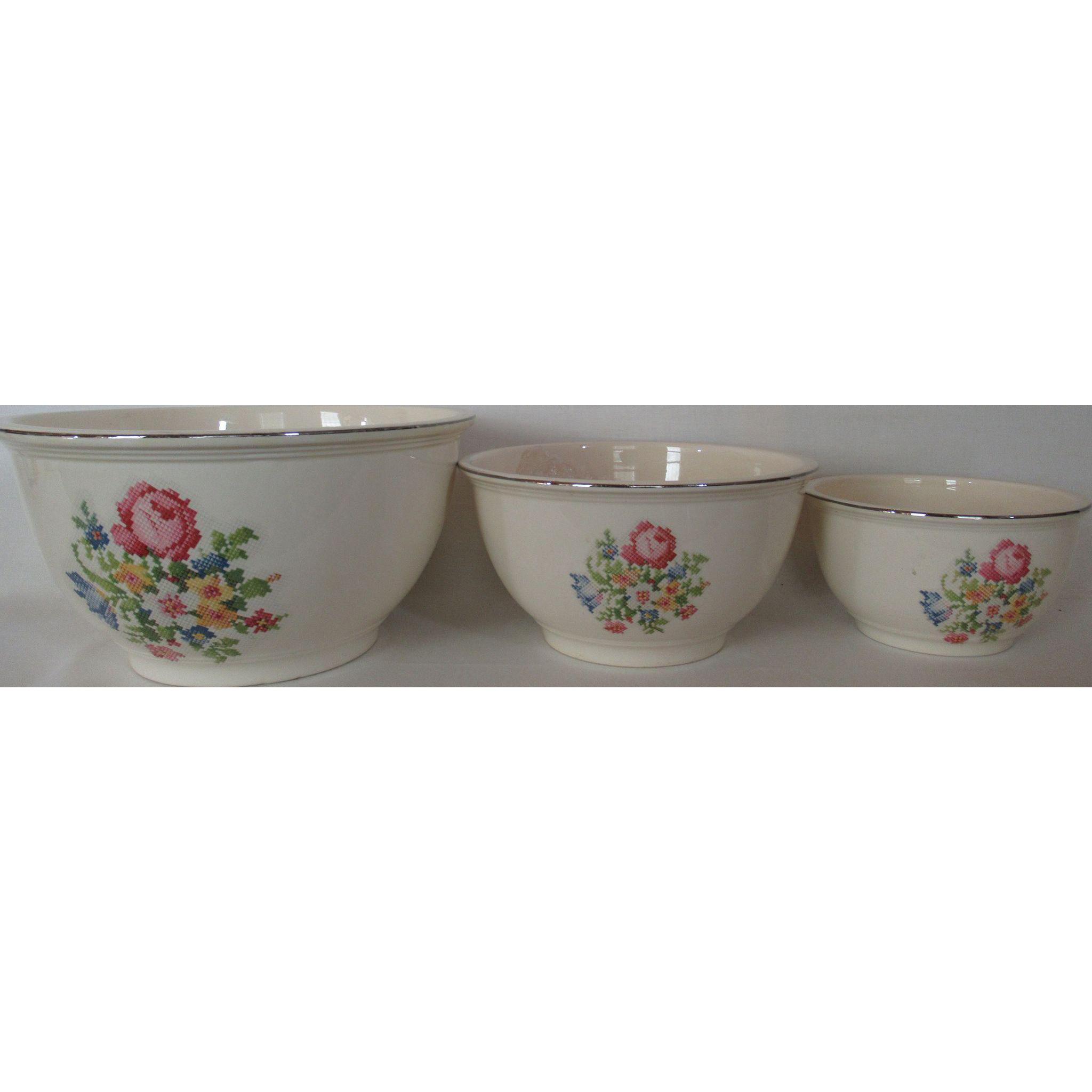 Homer Laughlin Kitchen Kraft Mixing Bowl Set (3) Petit Point Floral Pattern