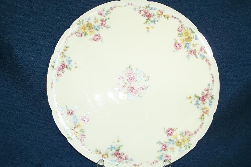 K P M  Royal Ivory  ** Yale **  Cake Plate