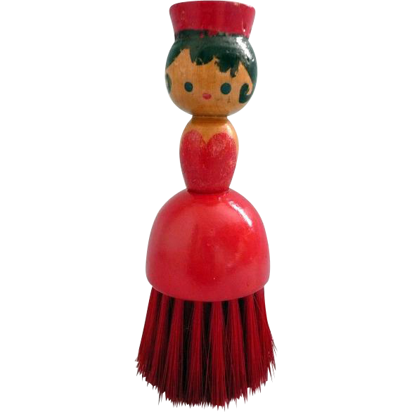 Wood Half Doll-like Brush in Red