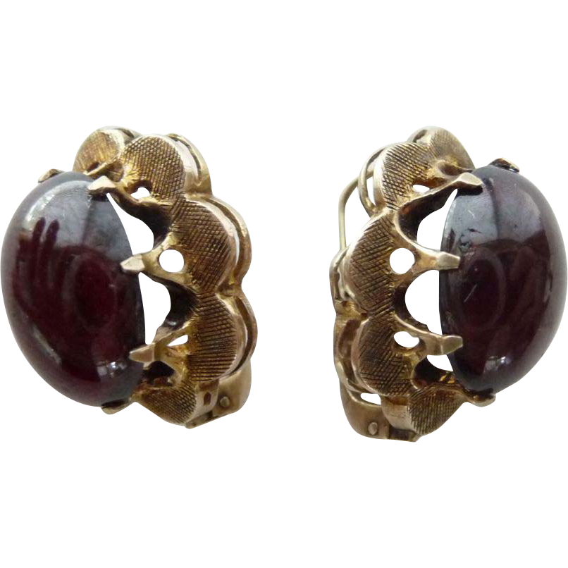 Antique 14 Carat Gold Cabochon Cut Garnet Earrings