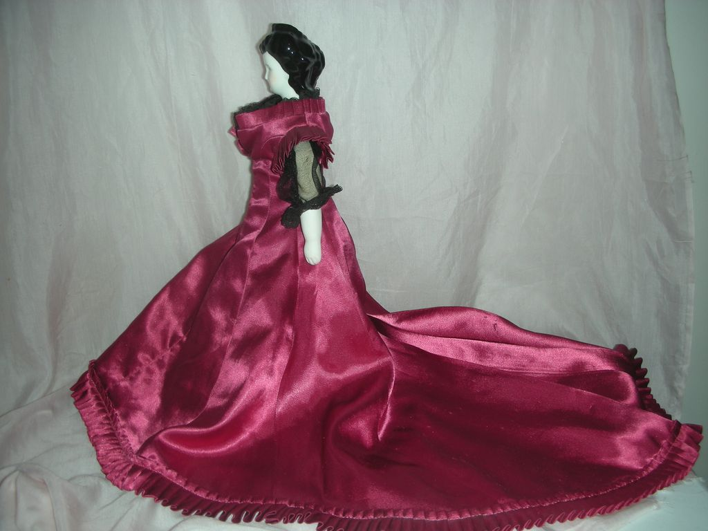 Countess Dagmar China Head Doll Beautiful Dress.