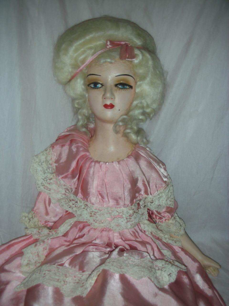 Vintage Pompadour French Style Boudoir Doll Bed Dolls