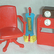 Vintage Renwal Doll furniture with Vacum