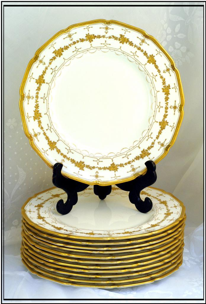 Vintage English Set 12 Gold Encrusted Plates Royal Doulton