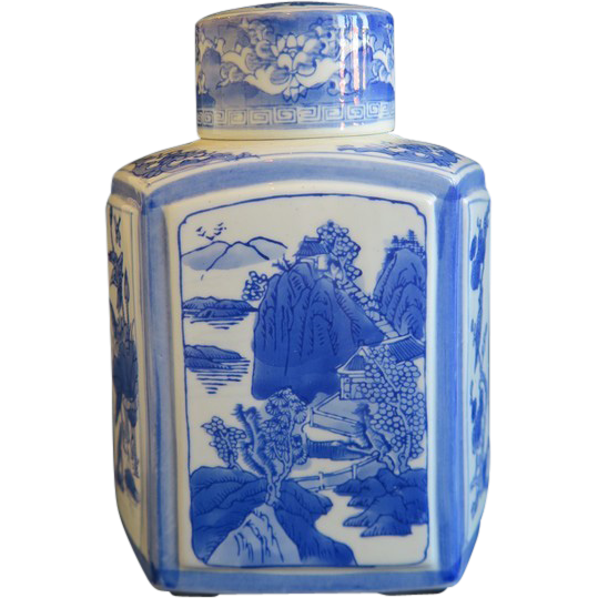 Blue and white Chinese export porcelain tea caddy, ca.1900