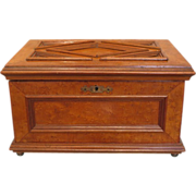 Antique burl wood vanity box, 19th century