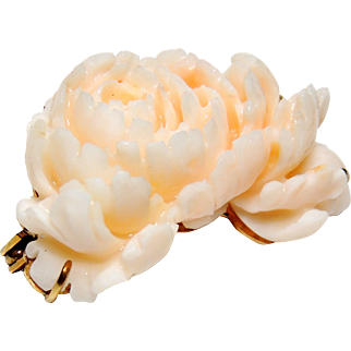 14k Finely Carved Angel Skin Coral Brooch, Pin, 14kt Yellow Gold, Mum, Flower