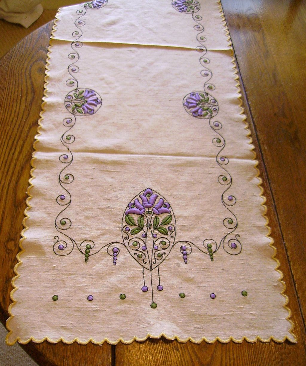 All hand embroidered arts crafts linen table runner 52 5 for Table runners 52 inches