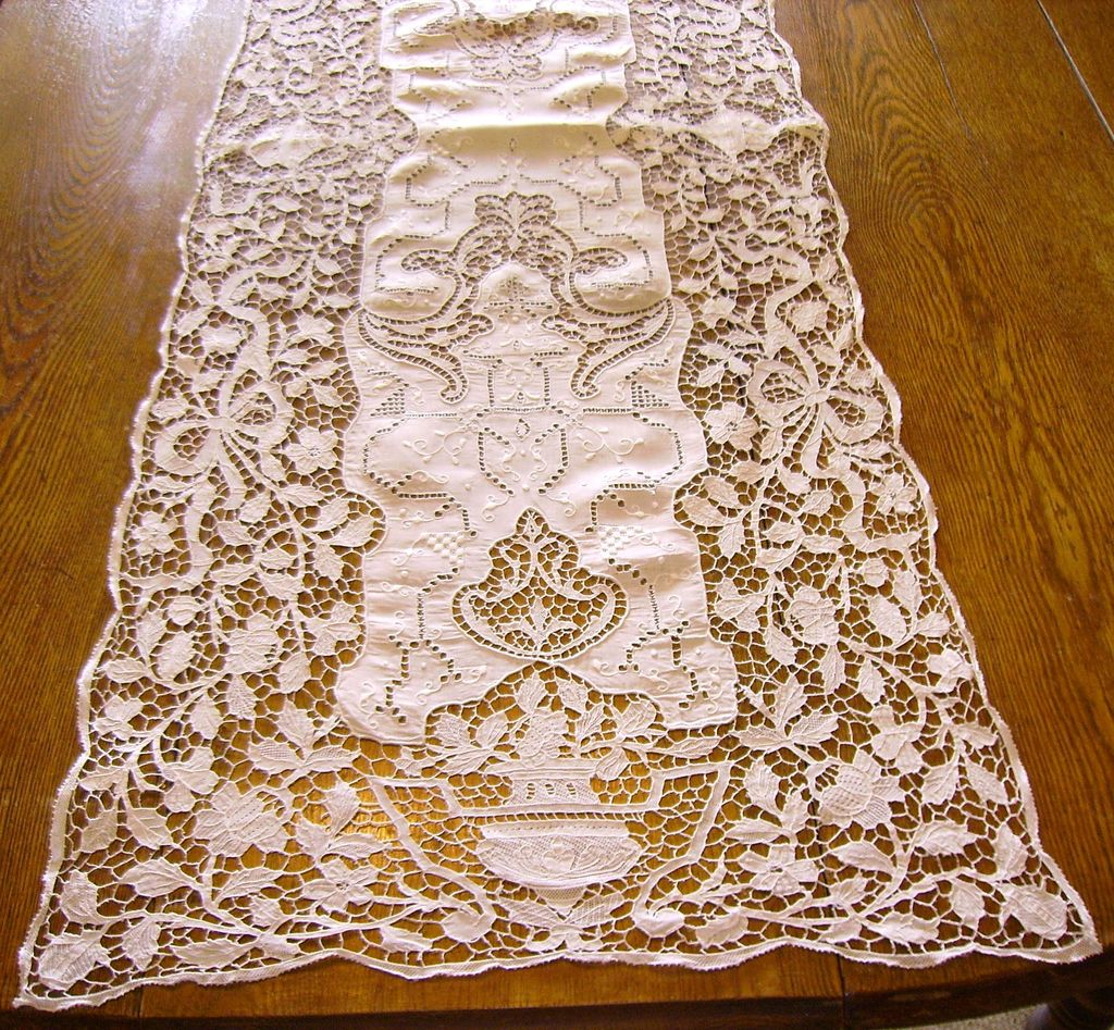 Fine Italian Needle Lace Linen Amp Hand Embroidered Table