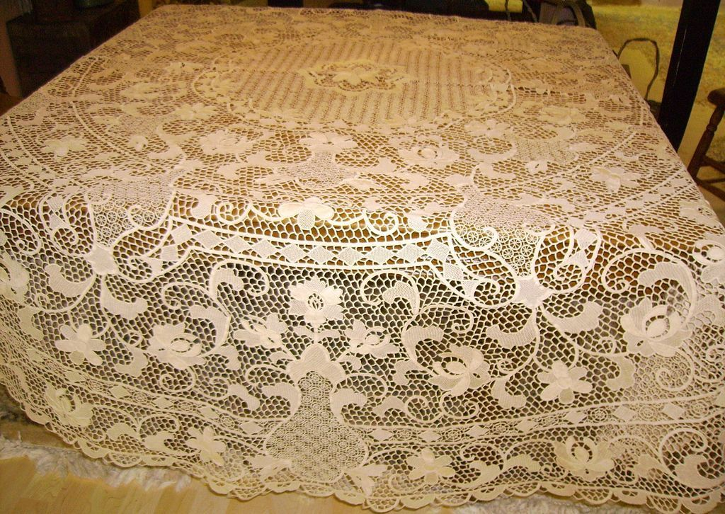 Bon Round Italian Reticella Needle Lace Tablecloth 90 Inches : Chelsea Antiques  | Ruby Lane