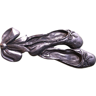Seagull Canada Pewter Ballet Slippers Pin