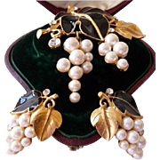 Kunio Matsumoto Trifari grapes leaves brooch set